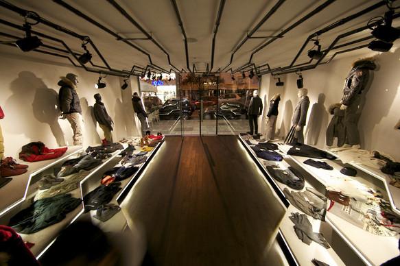 상업공간 Es Clothing Retail Shop