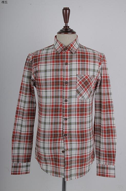 ccb094ad58b 체크셔츠에 포켓주머니를 하나 부착해 스타일을 더욱 살려주었구요.