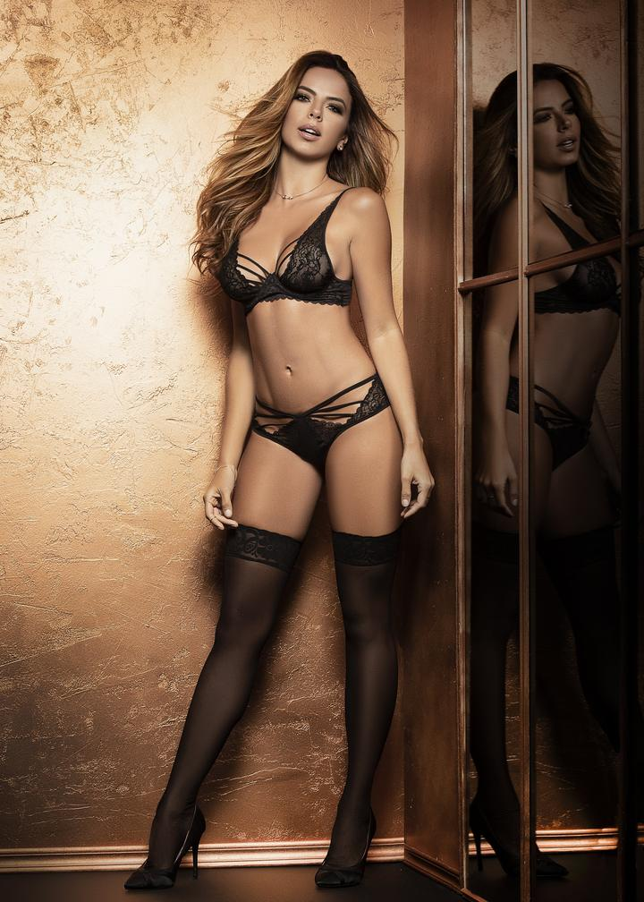 gorgeous women in sexy lingerie